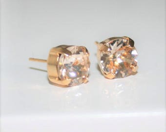 Champagne studs,Crystal Stud Earrings,pale Peach ear studs,Light Silk,Crystals Swarovski® 8mm,Blush ear studs,Crystal Stud Earrings,Bridal