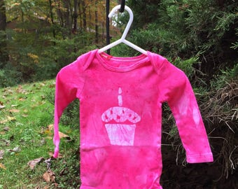 First Birthday Baby Bodysuit, Baby's First Birthday Shirt, Cupcake Baby Bodysuit, Girls First Birthday, Pink First Birthday (12 months)