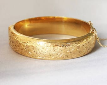 Vintage Gold Bangle Cuff Bracelet, Swirl Engraved 9ct Gold Metal Core - Intricate Detail