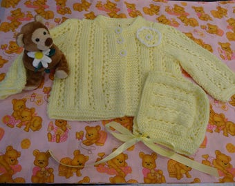 BABY YELLOW SWEATER Set, size 12 to 18 months, sweater and hat , hand knitted , 3 daisy buttoms, acrylic,  soft yarn