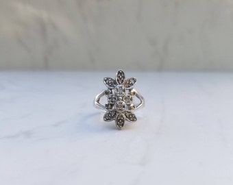 Vintage 10k Solid White Gold Diamond Cluster Ring, Size 4.5