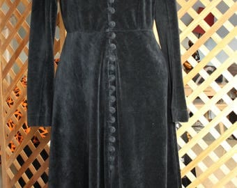 Vintage 80s 90s Womens Black Long Witchy Dress Medium Velvet Velour Long Sleeve Button Down Goth