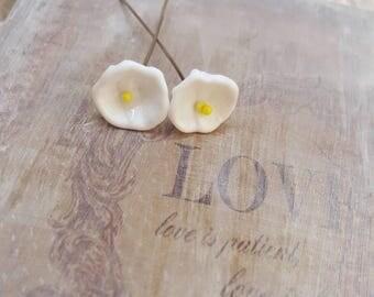 2 clous en verre de Murano filé à la flamme, fleurs blanches, SAHP12