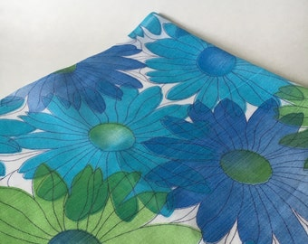 Semi sheer mid century mod daisy  flower fabric 2 plus yards turquoise green blue on white blue material 60s 70s