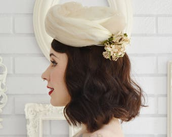 Vintage 1950s Beige and Cream Pill Box Hat with Flowers and Combs by Kitty Weinstein