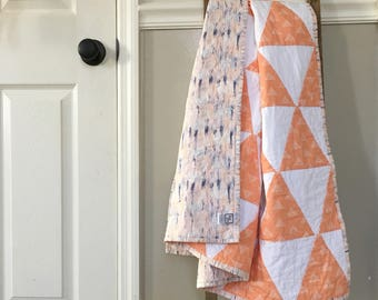 Coral Triangles Quilt / Coral Quilt / Baby Girl Quilt, Modern Quilt, Modern Minimalist Quilt, Crib Quilt, Baby Blanket, Triangles Blanket