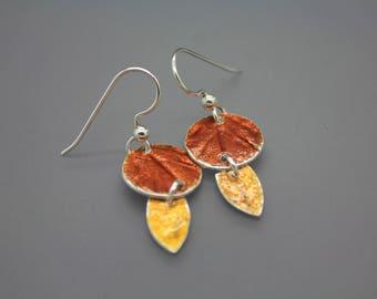 Leaf Earring, Leaf Jewelry, Fall Leaves, Fused Glass Jewelry, Enamel Jewelry, Enamel Earrings, Circle Earring, Glass Jewelry, Dangle Earring