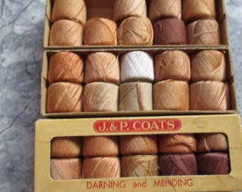 lot of 3 boxes Vintage Coats and Clarks darning and mending thread spools