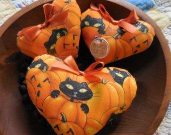 Primitive Halloween Heart Bowl Filler Tucks Whimsical Black Cats & Pumpkins Heart Ornies