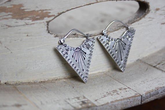 AZTEC STAMPED EARRINGS -Navajo- Tribal jewellery- Sacred Geometry - Lotus Flower- Silver Plated - Gift Set- Flower earrings