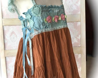 Darling Turquoise Aqua  Chocolate  Sweetheart Cottage Top Corset Ties  Vintage Details