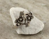 Vintage Floral Boho Ring - Sterling Silver Flower Hippie Bohemian Ring - Size 6 3/4