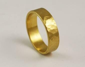 6mm Wide Mens Hammmered Wedding Band - Solid 14k 18k 22k 24k Gold / Rustic Handmade Ring