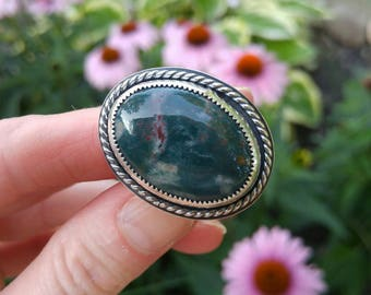 Bloodstone and Sterling Silver Ring. Multi hued Blues, Greens and Splashes of Red. Rope Detailing and Triple Split Shank Band. US 9.5