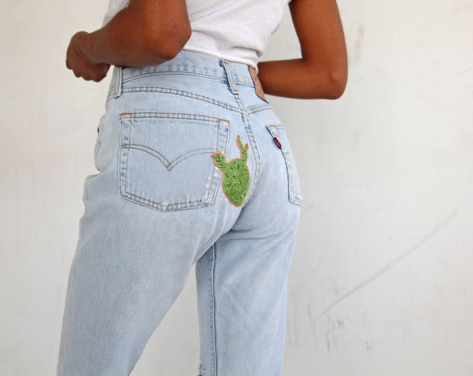 EMBROIDERED Levi's 501 Jeans
