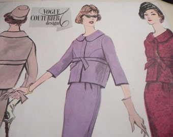 SALE Vintage 1960's Vogue 135 Couturier Design Jacket Skirt Suit Sewing Pattern, Size 12 Bust 32