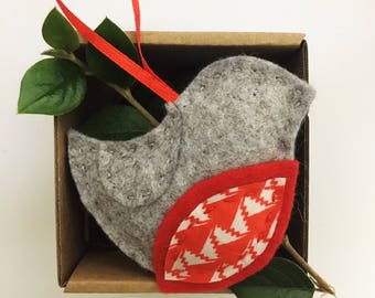 Red robin decoration - felt robin christmas decoration - liberty fabric Christmas - robin redbreast - traditional Christmas ornament