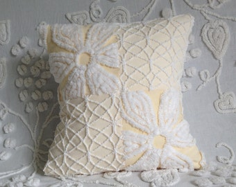 Pillow Cover Vintage Chenille Hofmann Yellow Daisy and Cabin Crafts Squiggle...13 x 13""