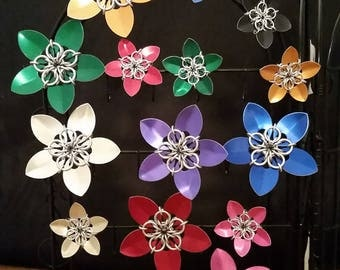 Scale chainmaille flower magnets