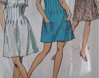 UNCUT and FF Pattern Pieces Vintage Simplicity 8733 Sewing Pattern 0