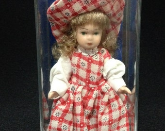 Vintage 1970's Porcelain Doll from Spain made by Artesania Latina Espana (LDP1)