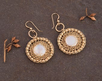 Large Dangle Pearls Earrings,Pearls Round Big Earrings, Statement Earrings, Gold Dangle Earrings, Pearls Jewelry, 14K Gold Filled, Handmade