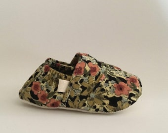 "Handmade Fitted Baby ""Toms Style"" Crib Shoes in a Rosebud Floral Corduroy"