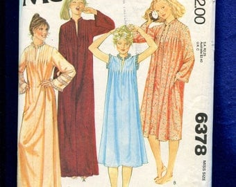1978 McCalls 6378 Nightgowns and Robes with Small Stand Up Collars & Tiny Bodice Tucks Size LARGE