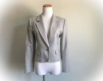 Women's Vintage 80s Pendleton 100% Pure Virgin Wool Tweed Gray Blazer Light Heathered Silver Grey Satin Lined Jacket Tailored Size 10 Petite