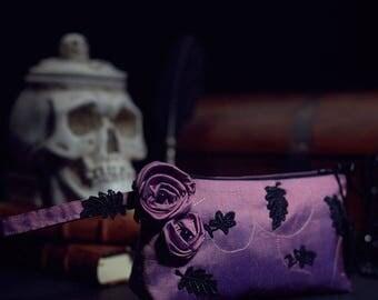 Silk Taffetas Zipper Pouch Light Purple Black Lace Leaves 'Perle de Rosée' Amethyst Beads Black Satin Lining Gold Thread