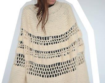 Vintage woollen 70's poncho / shawl - cream crochet with tassells