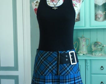 Gorgeous 1980s Vintage Blue Black tartan Skirt Medium