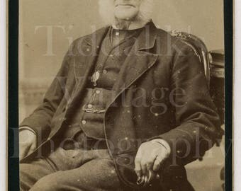 CDV Photo Victorian Seated Smart Old Man with White Mutton Chops Side Burns Portrait - Carte de Visite Antique Photograph