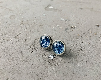 Leaves pattern stud earrings, dark blue floral posts, CuteBirdie