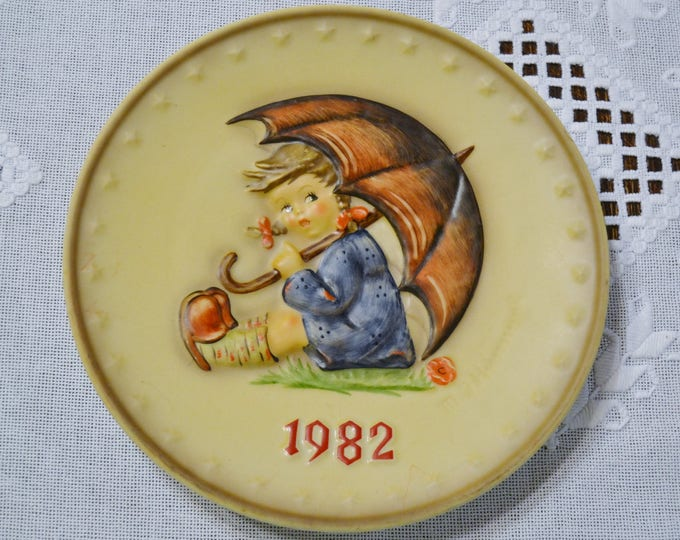 Vintage Hummel Plate 1982 Umbrella Girl Collector Plate Goebel West Germany PanchosPorch