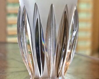 Courchevel Art Deco Vase Lalique Product #12274 Signed and Excellent Condition