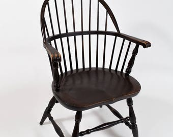Antique Windsor Chair / Sturdy Solid Wood Farmhouse Canadiana Vintage Cottage Country Slotted Hardwood Chair / Owen Sound Chair Co.