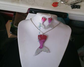 Large Glittery Resin Mermaid Tail Pendant Necklace on Silver Chain & Small Earrings on Hooks or Leverbacks. Fish, Pink, Red, Scales, Costume