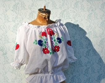 Peasant blouse, embroidered bloue, peasant top, Hungarian top, Hungarian blouse, Hungarian embroidery, vintage peasant blouse, peasant top