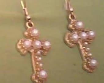White Pearl Earrings.