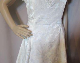 Gunne Sax Dress 1980 Cocktail Dress Cream Tone Brocade Vintage Clothing Faux Pearl Beading Puffy Sleeve Dress Garden Party Dress