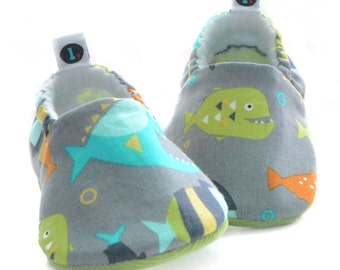 Fish Baby Shoes: baby booties | baby moccs | gender neutral | baby girl | baby boy | newborn | toddler | baby clothes | baby shower gift