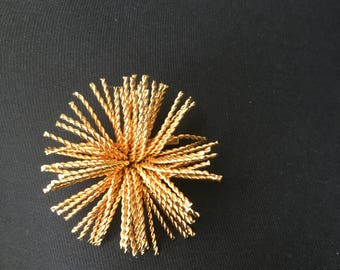 Modernist Brutalist Twisted Rope Sun Burst Gold Plated Brooch 1960s 1970s