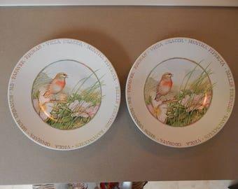 Set of 2 Hallmark, Marjolein Bastin Plates, Wildflower Meadow, Bird with Flowers