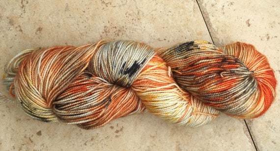 Hand Dyed Yarn,The Witching Hour,Fingering Weight,2 ply,80/20 Superwash Merino,100 gram,indie dyed yarn,knit & crochet,Toad Hollow yarns