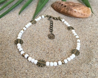 Arinna anklet - Anklet with white howlite and bronze coloured beads