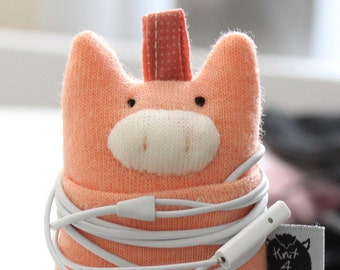 Soft Knit Earphone Case, Pig Earphone Pouch, Earphone Organizer, Pig Keychain, Animal Pouch plushie, Coin Pouch