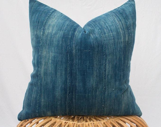 Indigo Mudcloth Pillow Cover with Insert Option / 20x20 / Light Blue