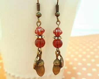 Acorn Earrings, Thanksgiving Earrings, Acorn jewelry, bronze, beaded, Small Jewelry gift, earrings for women, Oak, Fall symbol