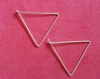 TRIANGLE stainless steel earrings   essential   Nordic design   delicate style